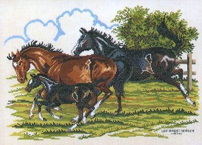 Вышивка. Лошадь - Символ 2014 года