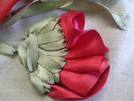 Вышивка лентами. Красный мак