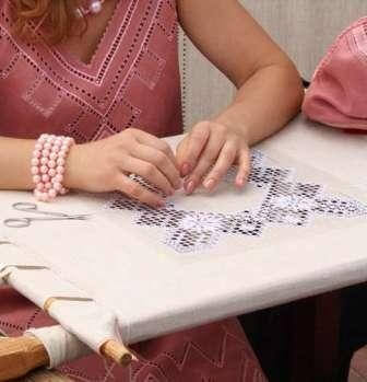 10 Ноября - День вышивальщиц